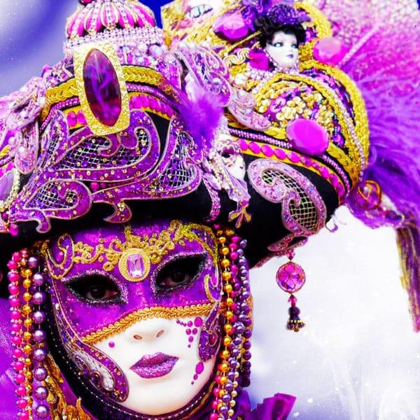 Carnaval-2018-en-la-Costa-Brava,-vuelve-cargado-de-disfraces,-carrozas-y-espectáculo