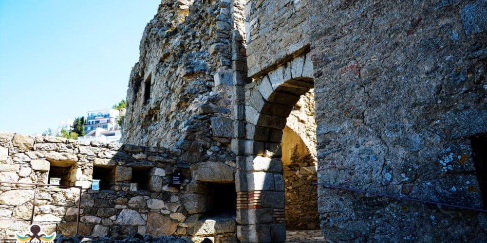Castell de la Trinitat - Roses - exterior